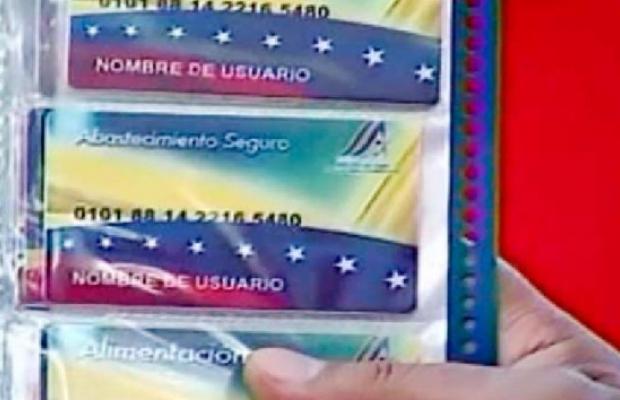 "Tarjeta roja de abastecimiento copiada de la tarjeta chilena ""JAP"" del régimen de Allende"