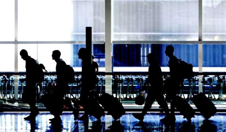 88% de los jóvenes venezolanos quieren irse del país