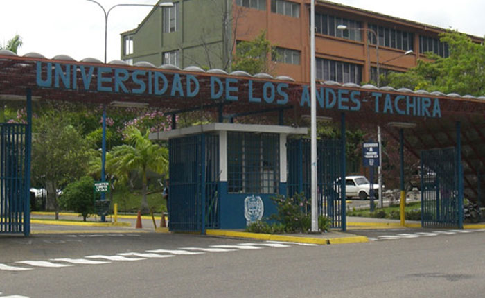 La lección de la ULA por Elías Pino Iturrieta