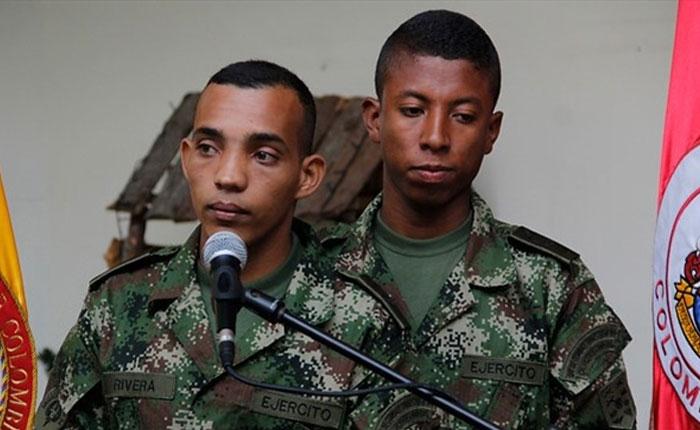 Soldados liberados dicen que las FARC los iban a llevar a Venezuela