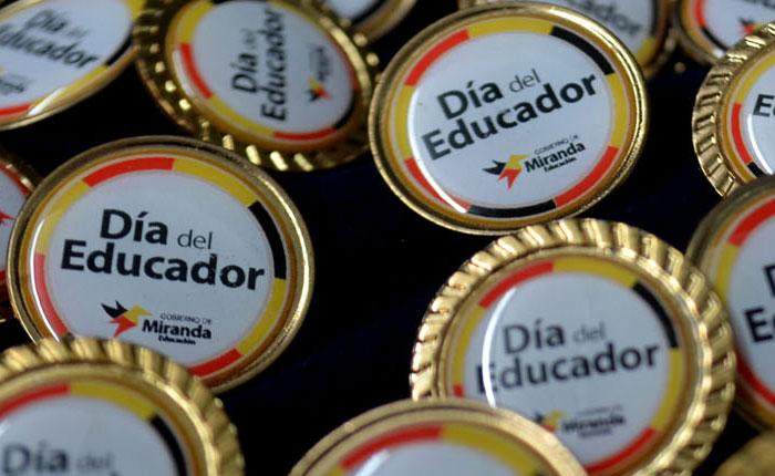 Capriles: El país tiene un déficit de 3 mil escuelas