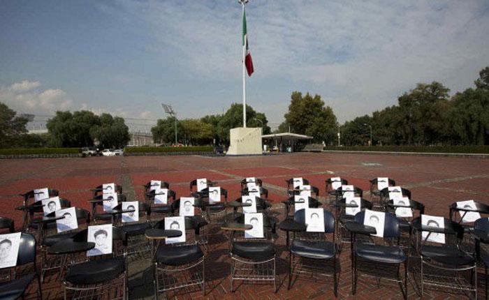 """Fiscal confirma """"plenamente"""" asesinato de los 43 estudiantes mexicanos"""