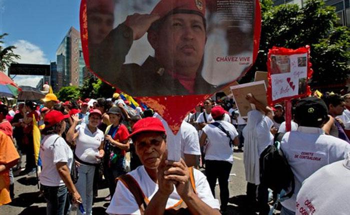 """Oficialistas conmemoran """"Caracazo"""" con marcha hacia Miraflores"""