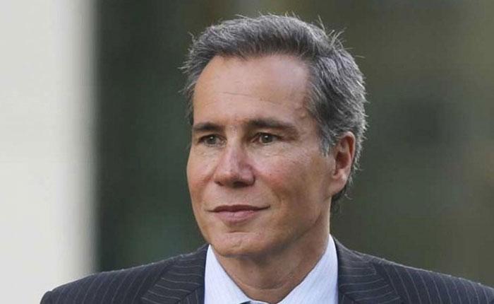 Un peritaje afirma que Nisman estaba de rodillas cuando recibió el disparo