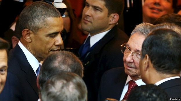 150411012138_sp_obama_castro_panama_624x351_reuters