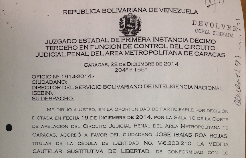 Al fiscal José Roa le dieron libertad, pero en el Sebin no lo dejan salir