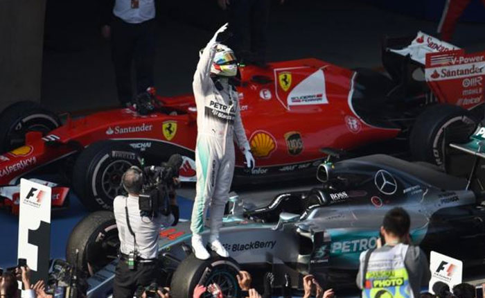 Hamilton gana en Gran Premio de China por delante de Rosberg y Vettel