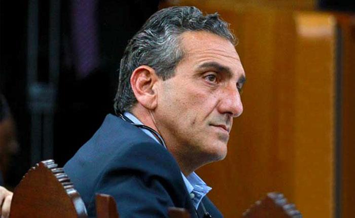 Enzo Scarano denunció intento de detención en Aeropuerto de Valencia