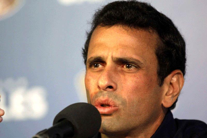 Funcionarios sancionados por Estados Unidos demandan a Henrique Capriles