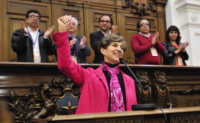 Isabel Allende, primera mujer que preside el partido socialista chileno