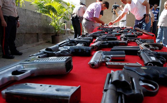 Expertos aseguran que armas de fuego, exclusión y desigualdad causan homicidios