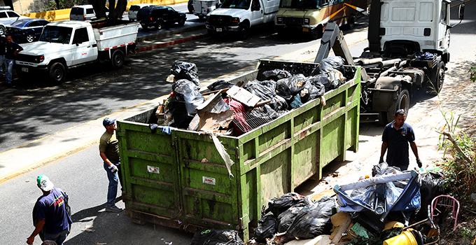 Localizaron cadáver descuartizado dentro de un contenedor en el Barrio El Guarataro