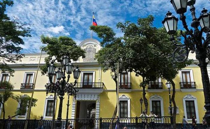 Cancillería acusa a Rajoy de apoyar un plan para derrocar a Maduro