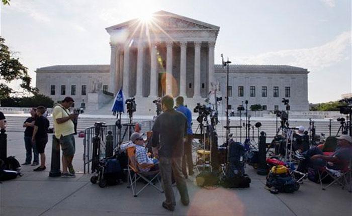 Corte Suprema de EE.UU. respalda el Obamacare, la reforma de salud de Obama