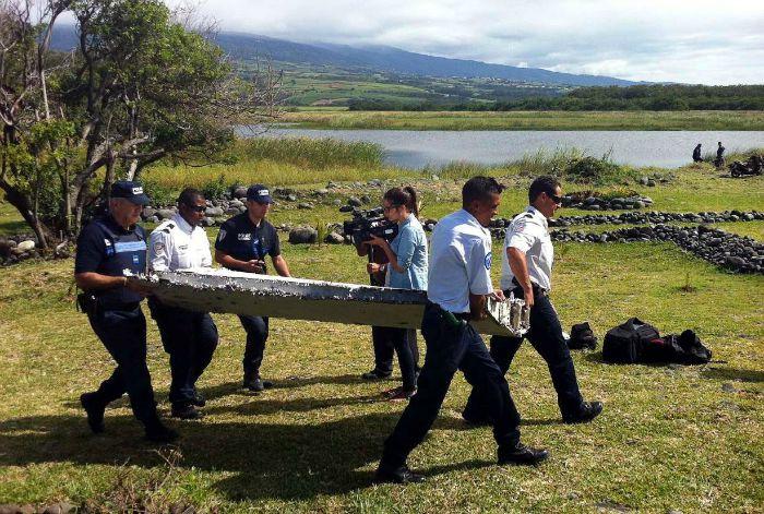Confusión tras hallazgo en La Reunión de falsos objetos del vuelo MH370