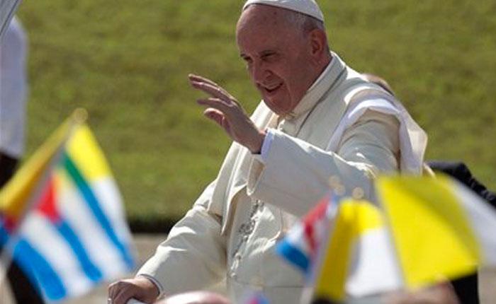 Papa pide en oriente de Cuba superar resistencia al cambio