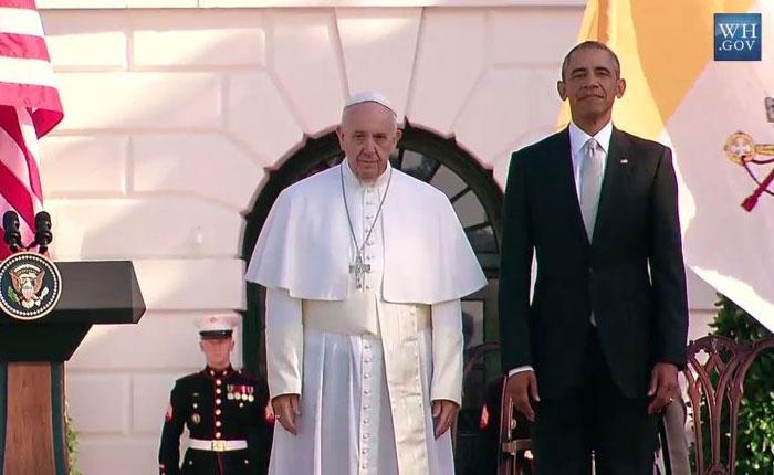 """Obama elogia """"calidad humana"""" del papa en bienvenida oficial"""