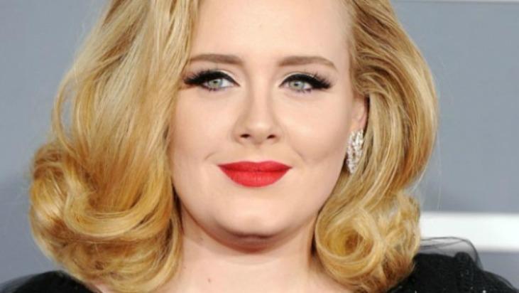 """VIDEO Adele hace su esperado regreso con """"Hello"""""""