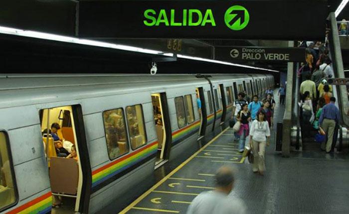 Reportaron robo masivo en estación Colegio de Ingenieros del Metro de Caracas