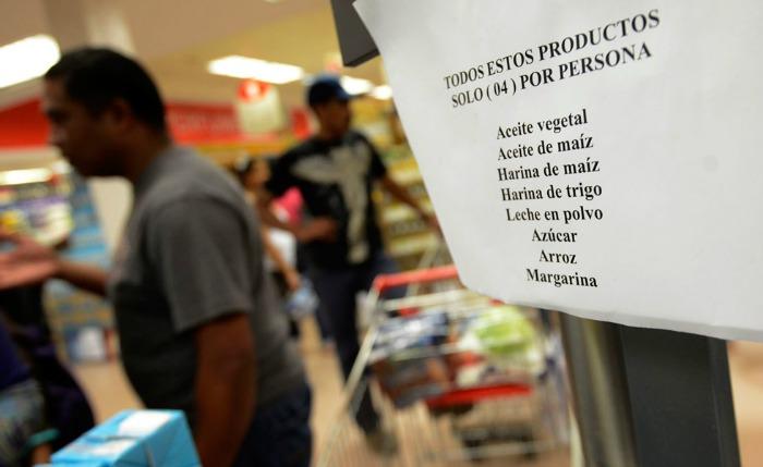 Sueldo mínimo alcanza para pagar cinco productos de la canasta alimentaria