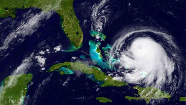 Se intensifica el huracán Joaquín y sube a categoría 4 en el centro de las Bahamas