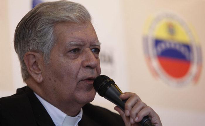 Cardenal Urosa Savino critica que retrasen el revocatorio para el 2017