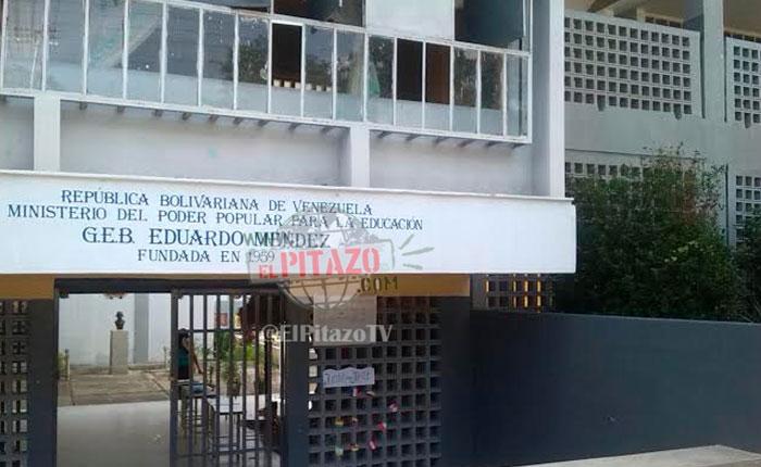 Inasistencia de operadores y miembros de mesa retrasó la instalación de máquinas en Guárico