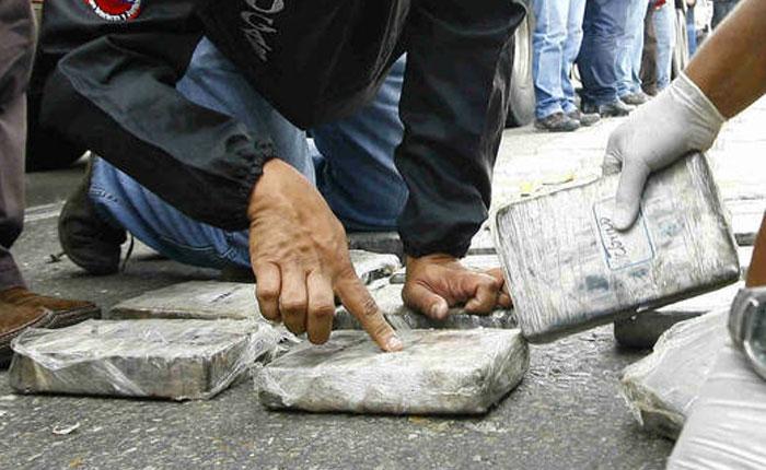 Privan de libertad a pareja venezolana que pretendía traficar cocaína en muñecos de masa flexible
