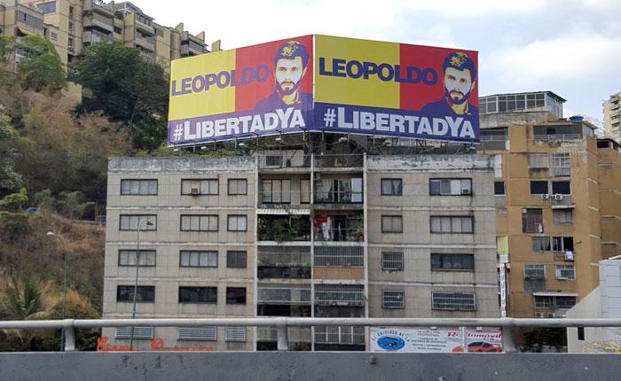 Amenazan a vecinos de Bello Monte por la valla de Leopoldo López