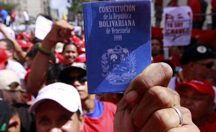 Al aceptar propuesta de Constituyente CNE continúa violación del derecho al voto