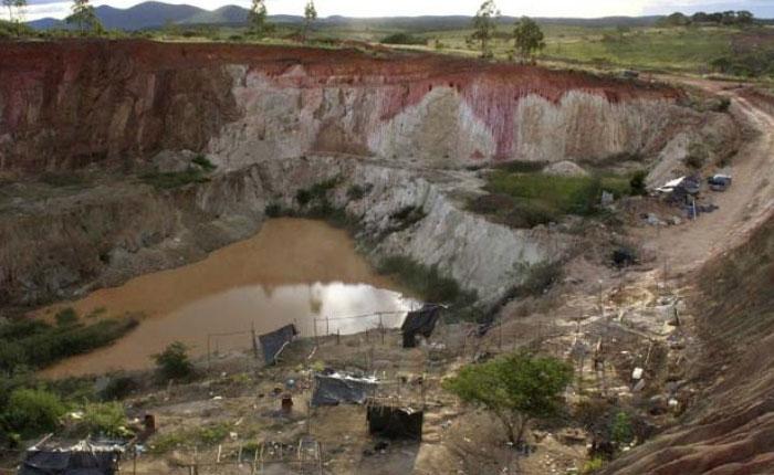 OLP siembra miedo y muertes en las minas a 6 meses de la masacre de Tumeremo