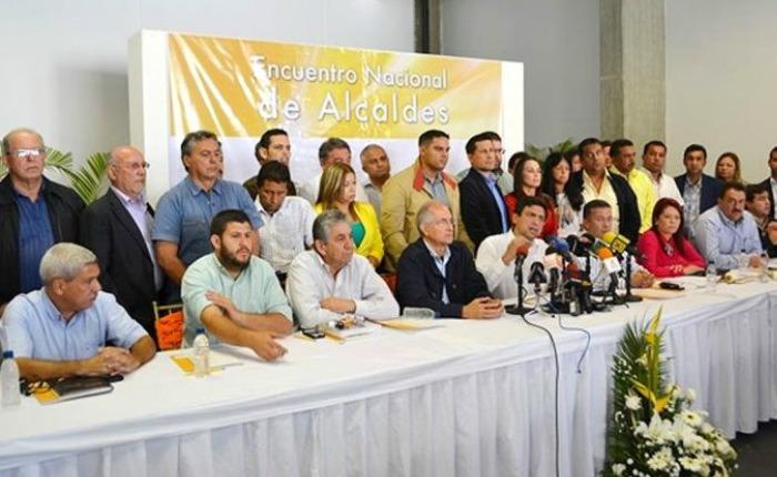 Gobierno ha arremetido contra 34 de los 77 alcaldes opositores