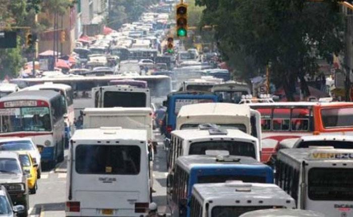 Paralizada en 70% flota de transporte público y carga