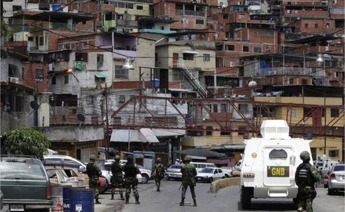 5 presuntos delincuentes asesinados y 6 detenidos tras situación de rehenes y enfrentamientos en la Cota 905