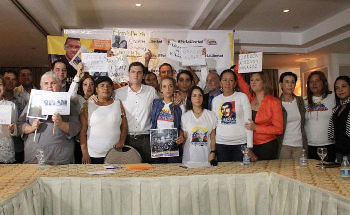 Lilian Tintori y Albert Rivera se reunieron con familiares de presos políticos venezolanos