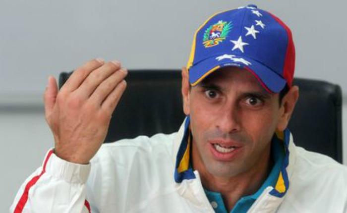 Abogados de Capriles explican que su inhabilitación es inconstitucional y parte de una