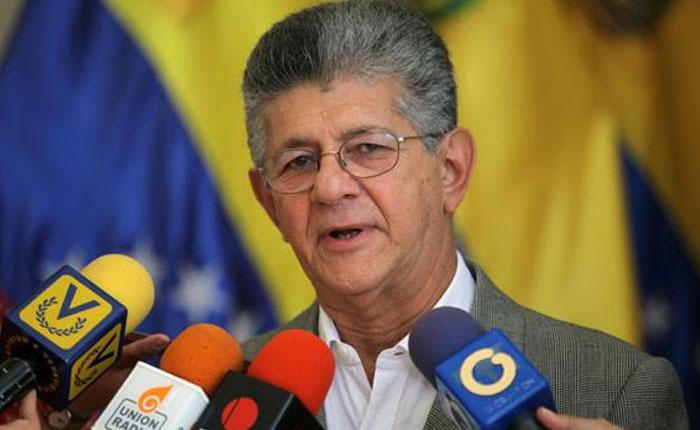 Ramos Allup anuncia publicación de lista de funcionarios chavistas que sacaron a sus familias del país