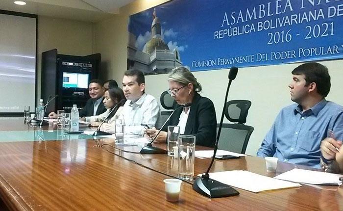 Tomás Guanipa: Ley de comunicación servirá para fortalecer la libertad de información