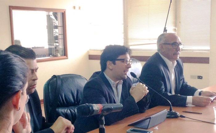Comisión de Contraloría solicita a la Fiscalía General abrir investigación a ex Ministro Carlos Osorio