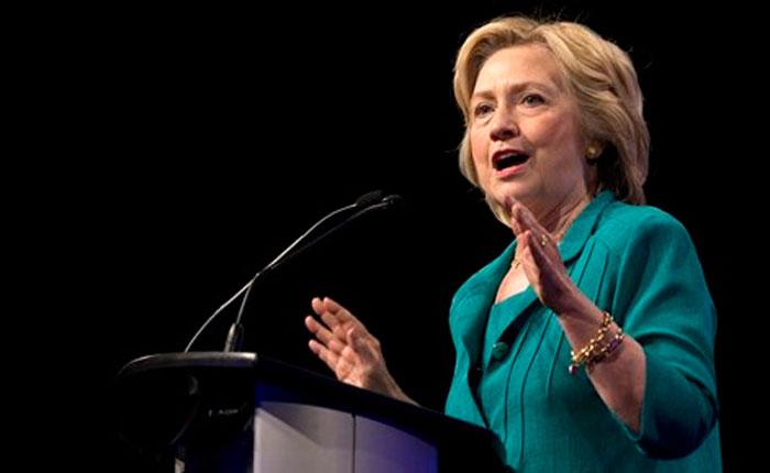 Hilary Clinton aventaja en 48 puntos porcentuales a Trump entre votantes hispanos