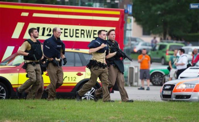 Alemania: Tiroteo en centro comercial de Múnich deja nueve muertos
