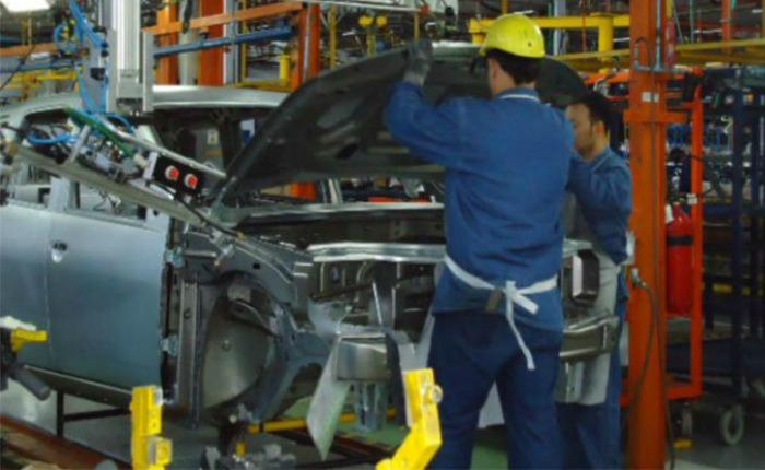 Producción automotriz en Venezuela acumula caída de 85%