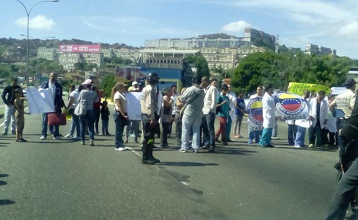 Chavismo radical no tolera cobertura periodística de la crisis