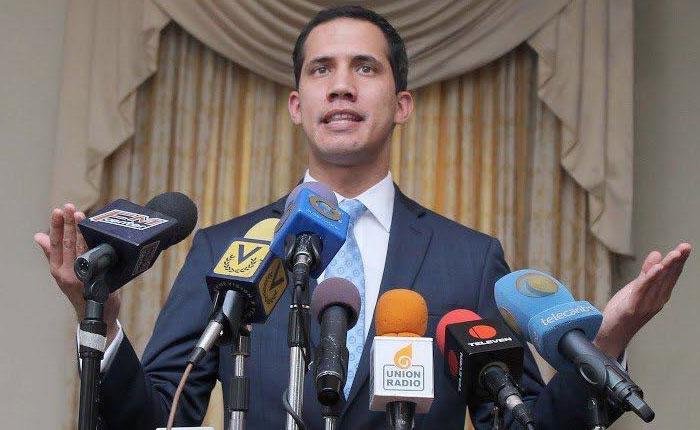 Diputado Guaidó: Si Tibisay Lucena no acepta presiones, le recomiendo que renuncie