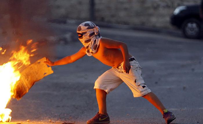 Más leña al fuego por Francisco Quevedo