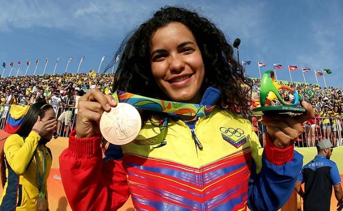 Stefany Hernández: acorazada contra los golpes