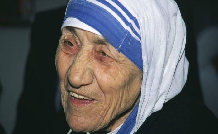 El papa Francisco canonizó a la madre Teresa de Calcuta
