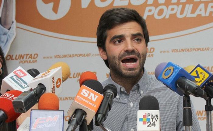 """Diputado Mejía: """"A pesar del diálogo debemos mantener nuestra agenda de presión en la calle"""""""
