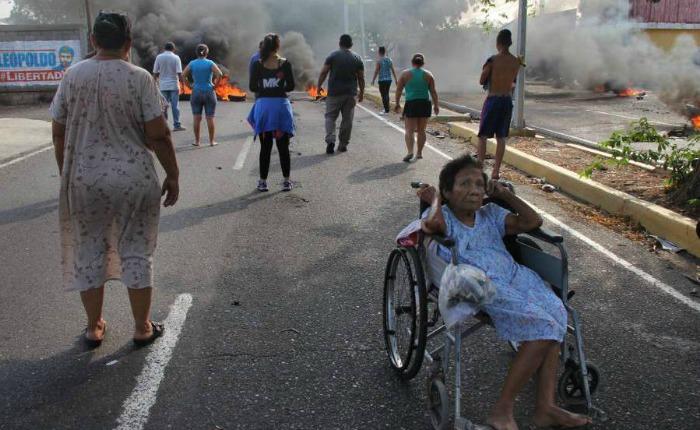 The Economist: ¿Qué se puede hacer para evitar la implosión en Venezuela?