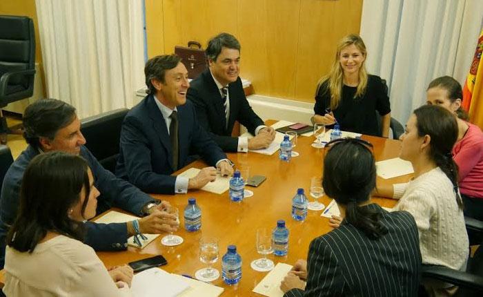 Representantes del Congreso Español se solidarizan con Venezuela ante violación de derechos humanos